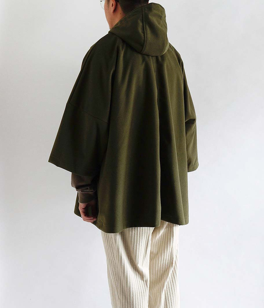 CURLY CRUST CAPE COAT